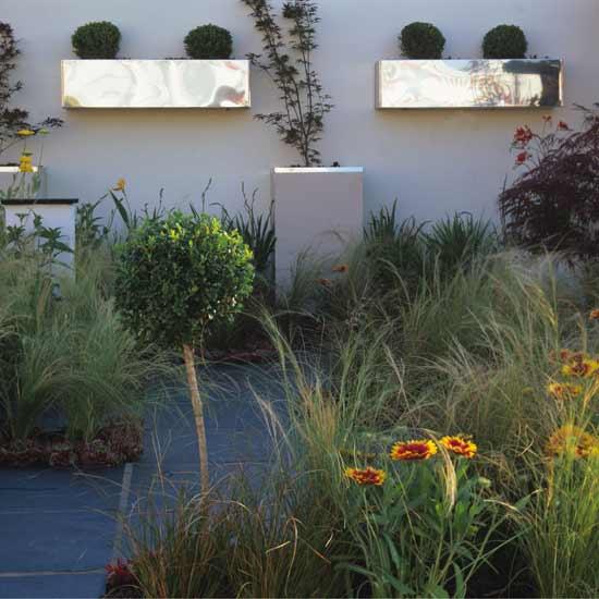 ih-modern-courtyard